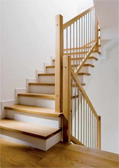 Ringhiere e rivestimenti per scale in muratura - Scale in muratura per interni ...