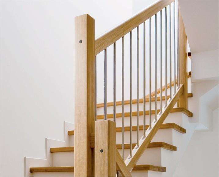 Amato Ringhiere e rivestimenti per scale in muratura | AK38